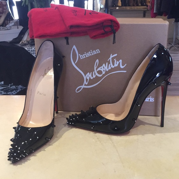95e26d044586 Christian Louboutin Diamond Spike Pump NEW 39
